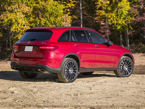 Elegant and versatile, the glc suv shines in any setting. 2016 Mercedes-Benz GLC-Class - Price, Photos, Reviews & Features
