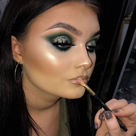 plouise makeup academy makeup academy based  manchester