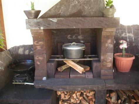 cuisine feu de bois cuisine d 39 été au feu de bois et barbecue du logement