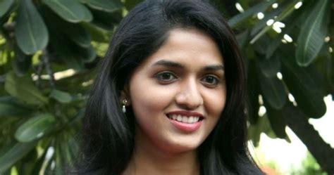 Tamil Film Actress Sunaina Unseen Images Actress Sunaina