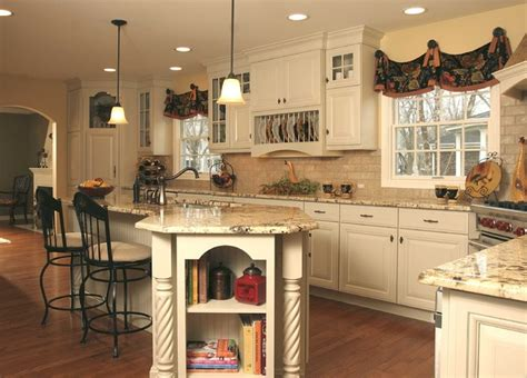 french country kitchen  angled penninsula
