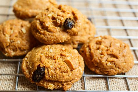Walnuts and raisins are optional. Oatmeal Cookie Recipe for Diabetics | Dr. Jason Kaster, D.C.