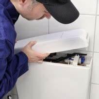Jak opravit protékající závěsný záchod