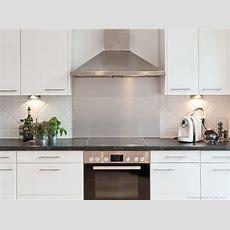 Küche Weiss Hochglanz  Arbeitsplatte Schwarz