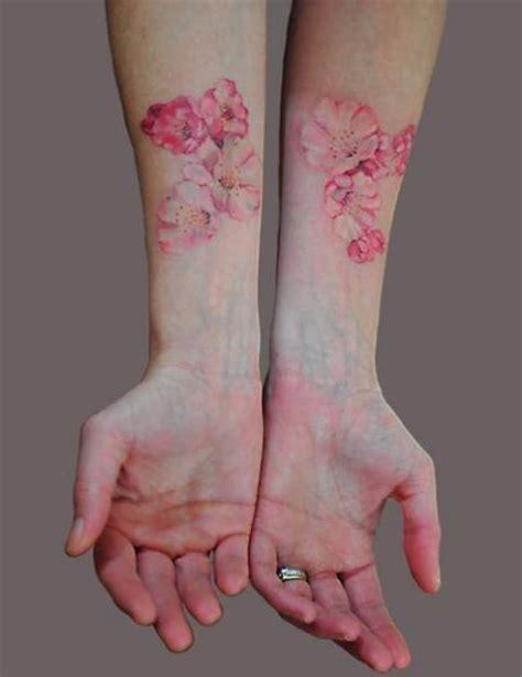 tatuaggio fiore ciliegio tatuaggio fiore ciliegio braccia tuttotattoo