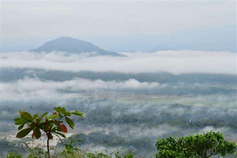 pesona keindahan negeri  atas awan  indonesia blog