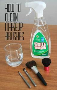 How to Clean Makeup Brushes With White Vinegar  TheBeautyMax