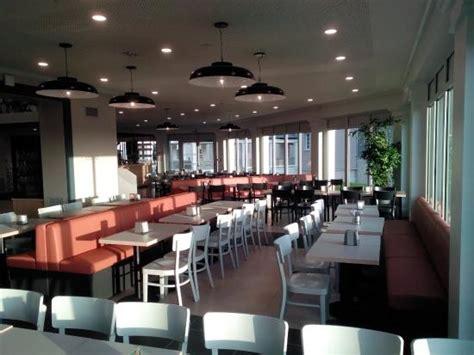 prix chambre kyriad restaurant photo de b b hotel disneyland magny le