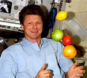 Astronauts Eating in Space - Pics about space