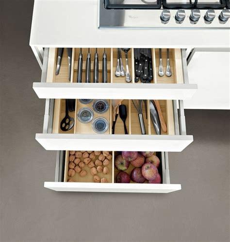 rangement cuisine pratique cuisine snaidero le modèle code esthétique et pratique