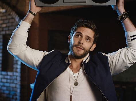 Thomas Rhett Gets Dumped Hard In Video For 'crash And Burn