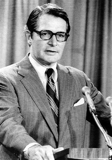 elliot richardson attorney general photograph  everett