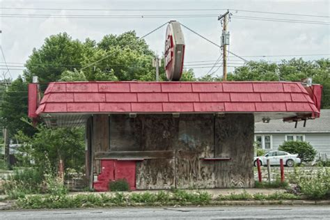 Out Cold: 12 Closed & Abandoned Dairy Queen Stores | Urbanist