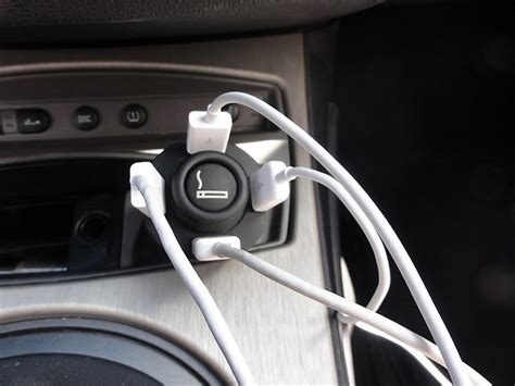 Multi-port Usb Car Charger For Iphone, Ipod Touch & Ipad