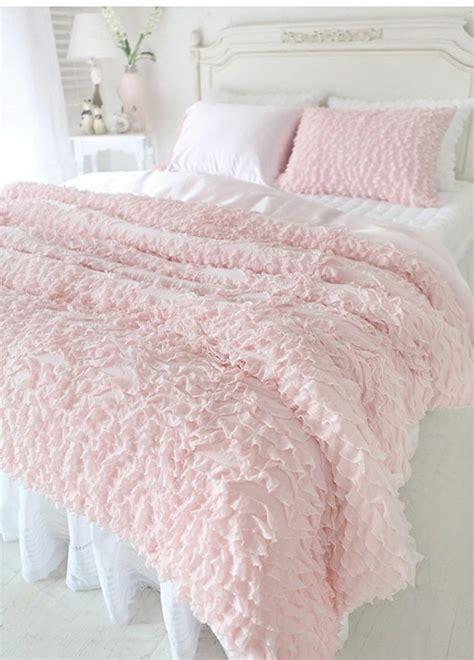 banquette pour chambre la parure de lit romantique en milles photos