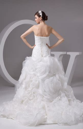 white sleeveless bridal gowns   country sweetheart