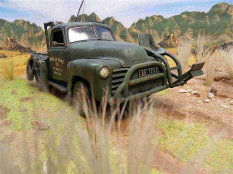 hatari truck diorama 1 24 25 quot hatari quot 48 180 chevy pick up truck 1 25