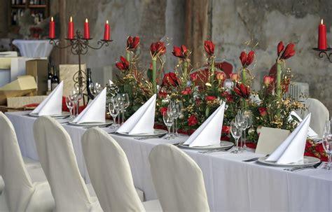 decoration de chaise pour noel la housse de chaise mariage d 233 coration r 233 ception