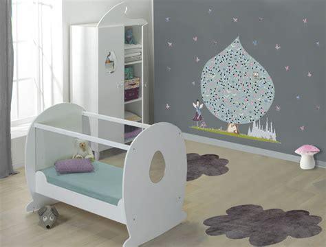 couleur mur chambre bébé deco chambre bebe mur blanc