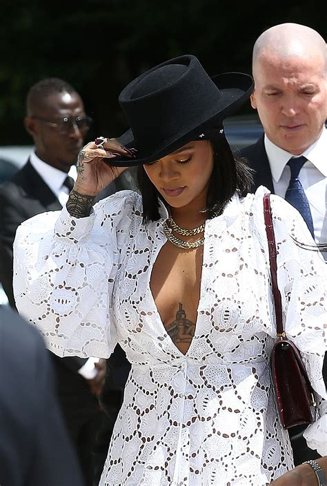 Rihanna Flashes Cleavage In Paris Scandal Planet