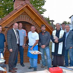 Ofen Götz Amberg : b rger von rohr bauten einen dorf ofen region neumarkt mittelbayerische ~ Frokenaadalensverden.com Haus und Dekorationen
