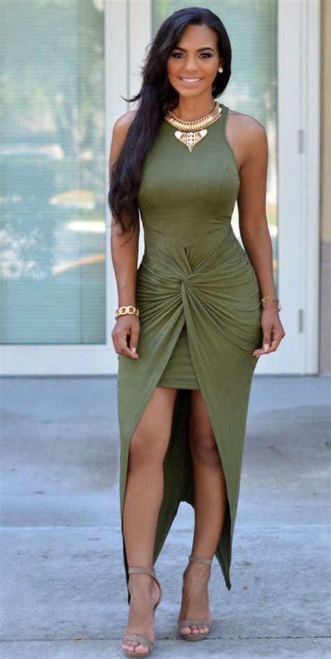 How to wear an olive green dress - howto-wear.com