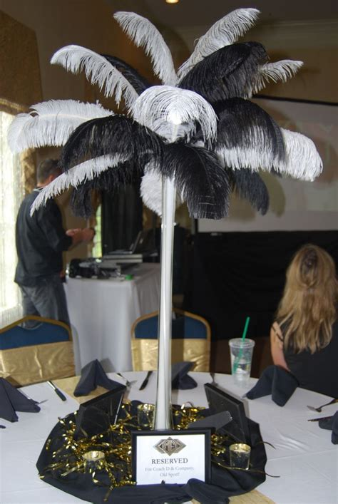 great gatsby party    set long tables