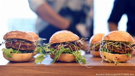 insecte cuisine insect burgers and balls swiss supermarket to sell bug