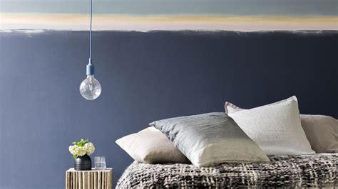 2 couleurs dans une chambre couleur dans la chambre à coucher 5 conseils peinture