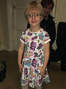 Schoolboy, 4, wears dress to school 'because boys can wear ...