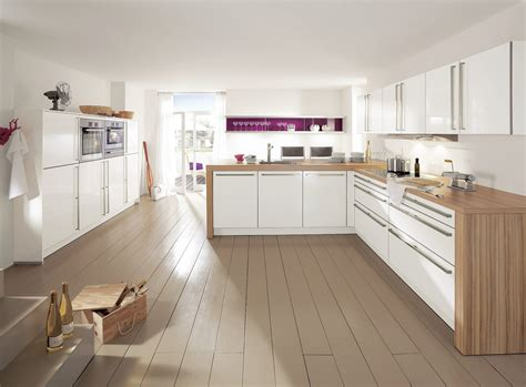 armony cuisine cuisine blanche déco violette