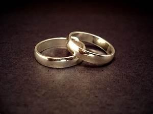 filewedding ringsjpg wikipedia With wedding ring wiki