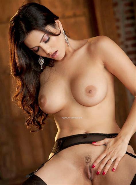 Sunny Leon Porn Pic And Open Big Boobs Sex Photo