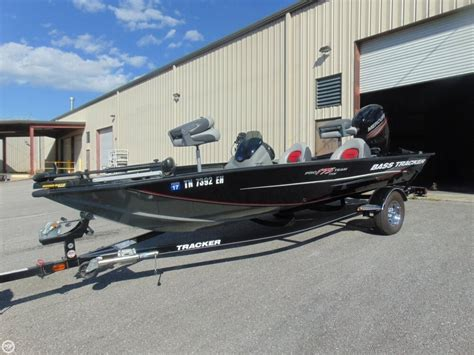 Bass Boat Tracker by 2015 Used Bass Tracker Pro 175 Txw Bass Boat For Sale