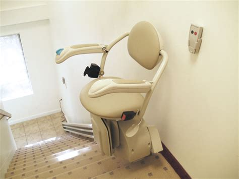 ameriglide vesta stair lift battery powered stair lifts