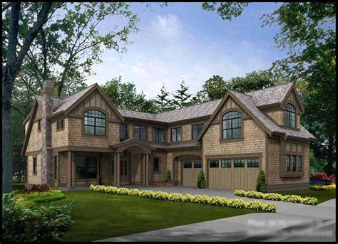 multi level traditional home   bedrms  sq ft plan