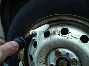Changer Valve Pneu : changer pneu voiture comment changer une roue de voiture le blog de mister auto changer ~ Medecine-chirurgie-esthetiques.com Avis de Voitures