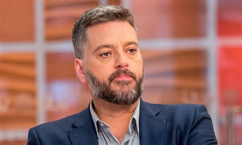 Iain Lee shares hospital photo after being attacked by owl ...
