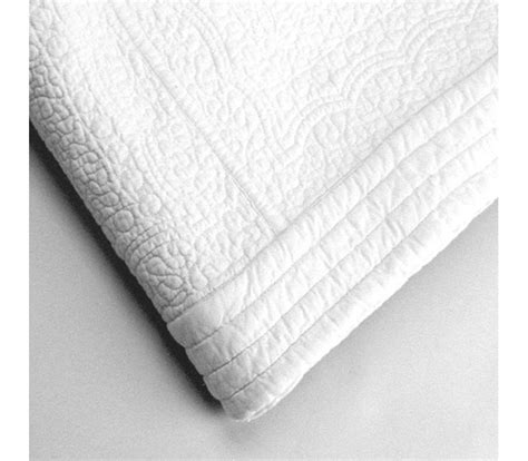 white quilted bedspread white paisley quilted bedspread