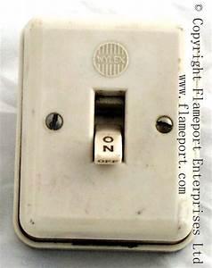 Wylex White Plastic Double Pole Switch