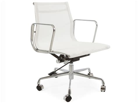 evolution de la chaise chaise de bureau eames the vitra ea 108 aluminium chair
