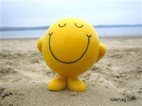 smile gesture    happen
