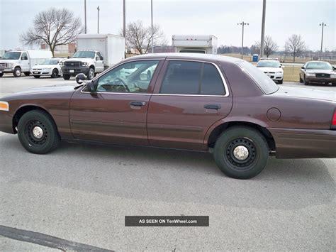 2002 Ford Crown Victoria Police Interceptor Sedan 4 Door