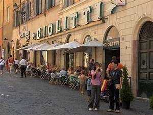 Why choose a walking tour? Around Rome Tours