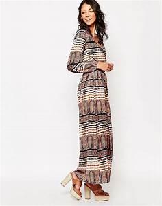 Robe Longue Style Boheme : influence influence maxi robe manches longues style ~ Dallasstarsshop.com Idées de Décoration