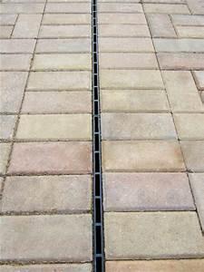 Entwässerungsrinne Beton Befahrbar : aco hexaline entw sserungsrinne schlitzrinne 1 meter ~ Buech-reservation.com Haus und Dekorationen