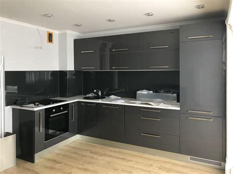 Senator   Iebūvējamās virtuves mēbeles pēc pasūtījuma