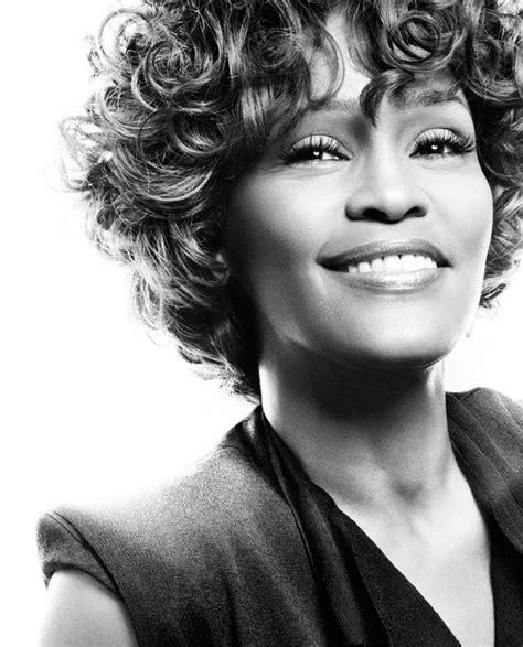 > Whitney Houston (1963 2012)