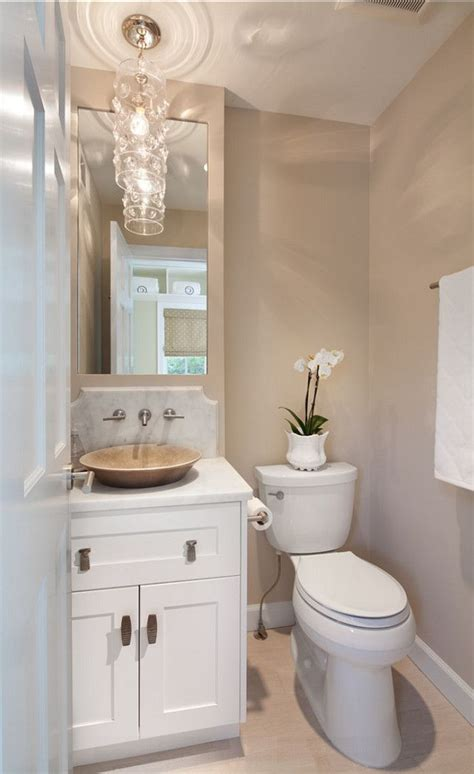Neutral Bathroom Color Schemes by Best 25 Small Bathroom Paint Ideas On Small