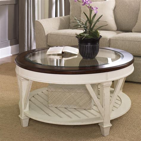 To style and decorate a round coffee table is not always easy, and many things must be considered in the decor. Round Coffee Tables for Your Cozy Seating Area - Homedecorite